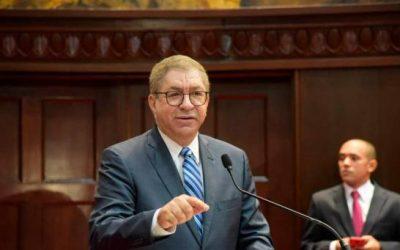 Director INPOSDOM destaca aportes de Adriano Miguel Tejada en preservación democracia y libertad de expresión