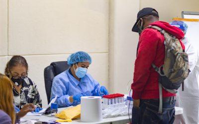 INPOSDOM realiza operativo de prevención contra el Covid-19 a funcionarios y empleados
